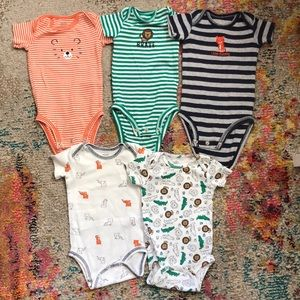 🔴 5/25 Carters Onsie Lot size 3 mo